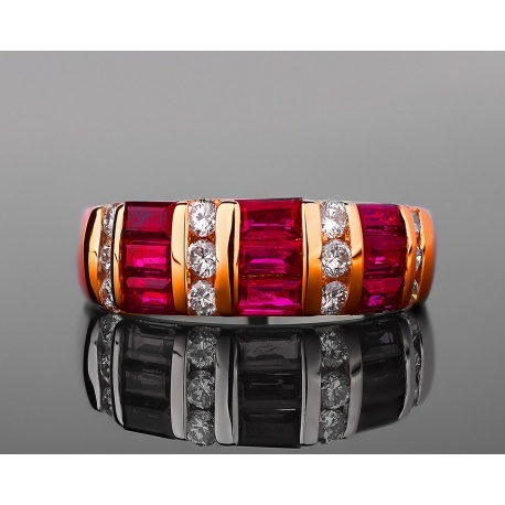 Рубиновое золотое кольцо с бриллиантами 0.33ct