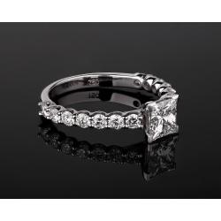 Роскошное золотое кольцо с бриллиантами 1.71ct