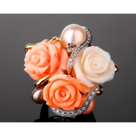 Искусное бриллиантовое кольцо с кораллами Артикул: 280717/8