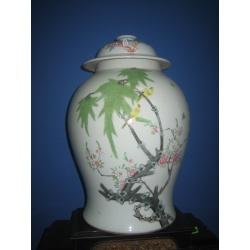 Ваза китайская фарфоровая