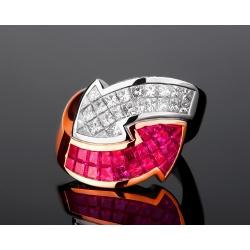 Экстравагантное бриллиантовое кольцо с рубинами