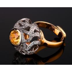 Восточное бриллиантовое кольцо с ярким цитрином